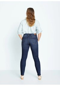 Violeta by Mango - SUSAN - Jeans Slim Fit - dunkelblau - 2