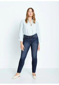 Violeta by Mango - SUSAN - Jeans Slim Fit - dunkelblau - 1