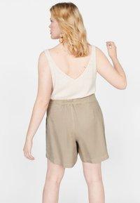Violeta by Mango - RINGO - Shorts - sand - 2