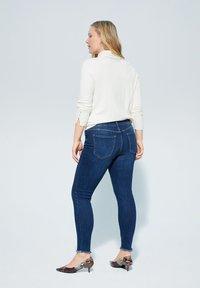 Violeta by Mango - ANDREA - Slim fit jeans - dunkelblau - 2