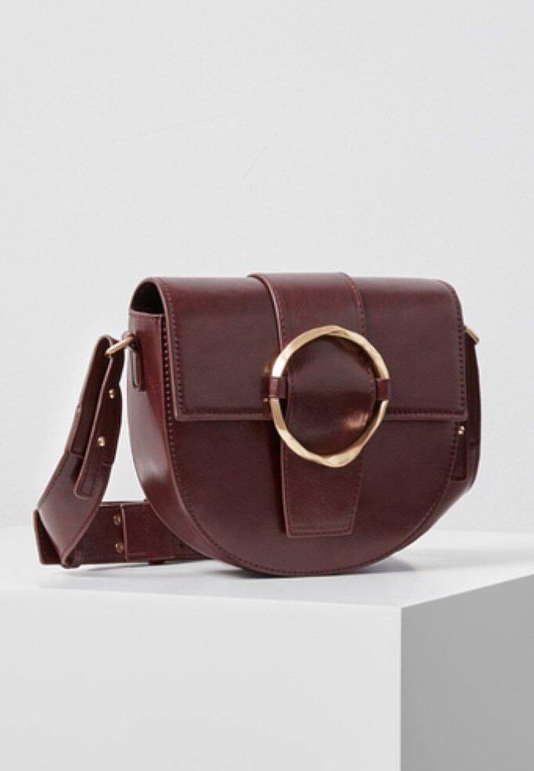 Violeta by Mango - MOON - Across body bag - burgundy