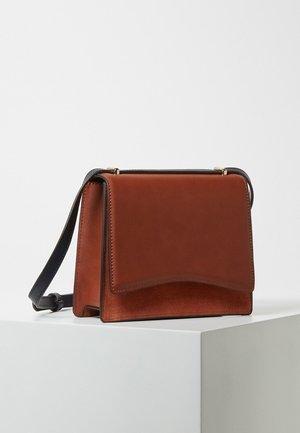 FUN - Across body bag - brown