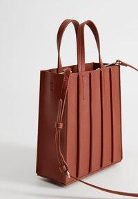 Violeta by Mango - ACORDEON - Shopping Bag - red - 2