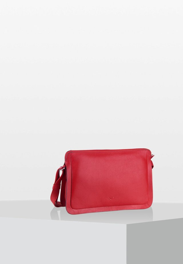 DELUXE  - Across body bag - scarlet