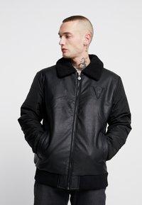 Volé la lumière - BORG COLLAR JACKET - Faux leather jacket - black - 0