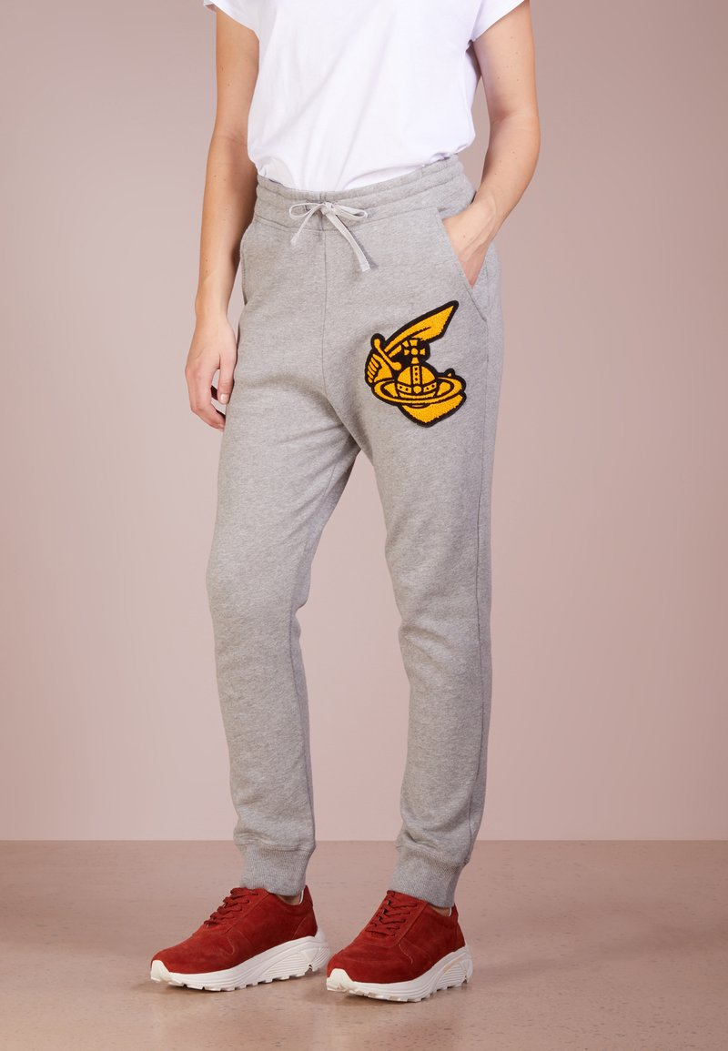 Vivienne Westwood Anglomania - TRACKSUIT BOTTOMS WITH PATCH - Tracksuit bottoms - grey