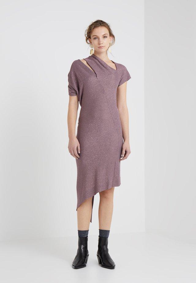 TIMANS DRESS - Strickkleid - pink