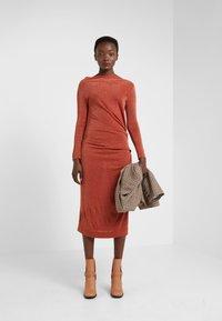 Vivienne Westwood Anglomania - TAXA DRESS - Jersey dress - rust - 1