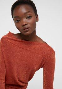 Vivienne Westwood Anglomania - TAXA DRESS - Jersey dress - rust - 4