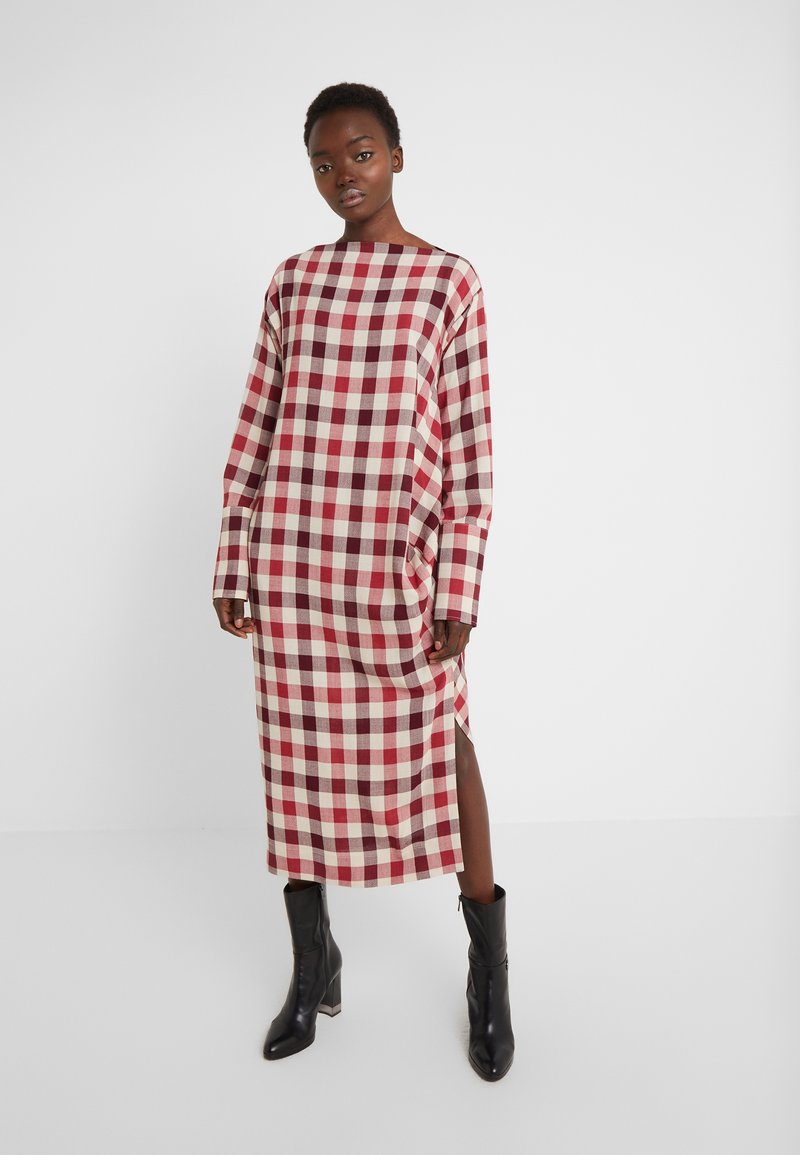 Vivienne Westwood Anglomania - BOXY FARRITA DRESS - Day dress - beige/fuchsia