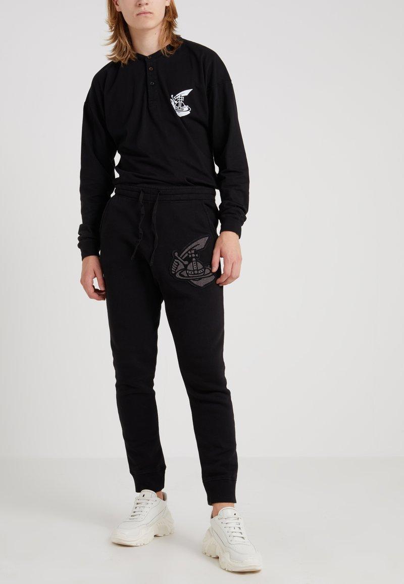 Vivienne Westwood Anglomania - TRACKSUIT BOTTOMS - Tracksuit bottoms - black