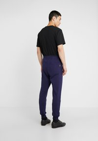 Vivienne Westwood Anglomania - CLASSIC TRACKSUIT BOTTOMS - Tracksuit bottoms - navy - 2