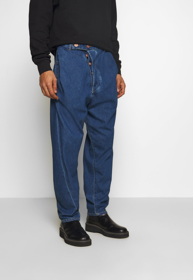 Vivienne Westwood Anglomania - ALCOHOLIC - Jeans Relaxed Fit - blue