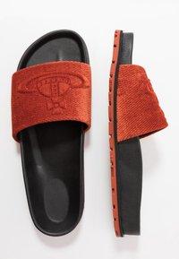 Vivienne Westwood - ORB TREK SLIDE - Mules - orange - 1