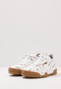 Vivienne Westwood - ELCHO - Sneakers laag - white - 2
