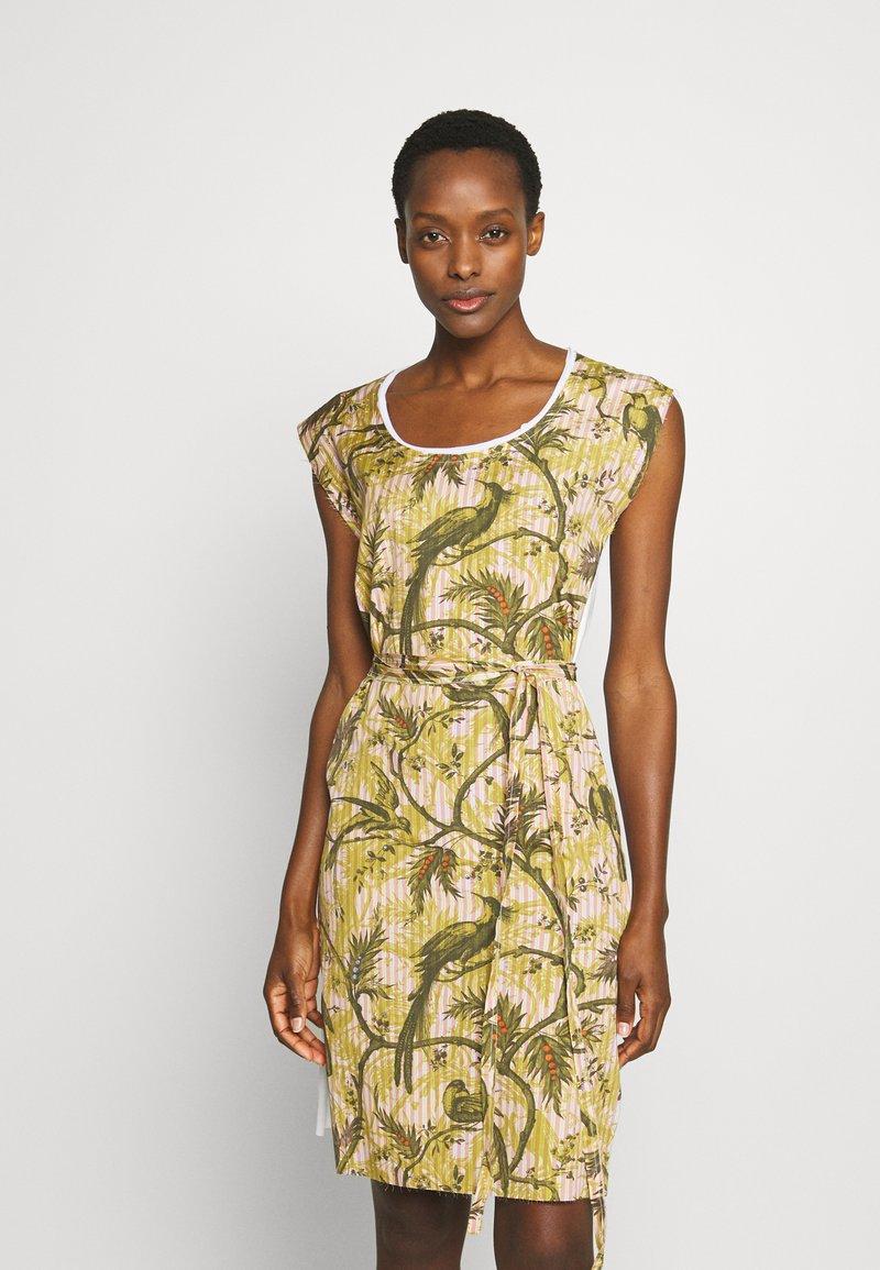 Vivienne Westwood - PILLOWCASE DRESS - Denní šaty - white
