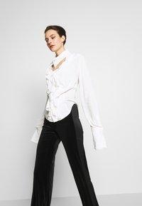Vivienne Westwood - WIZARD - Hemdbluse - off white - 3
