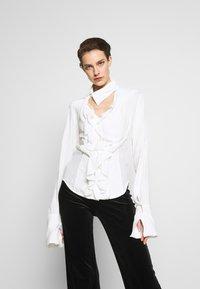 Vivienne Westwood - WIZARD - Hemdbluse - off white - 0