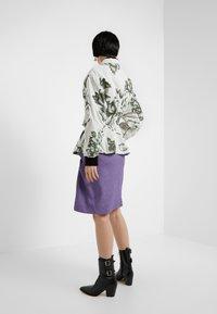 Vivienne Westwood - CORSET - Kevyt takki - beige - 2