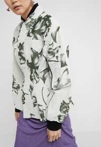 Vivienne Westwood - CORSET - Kevyt takki - beige - 6