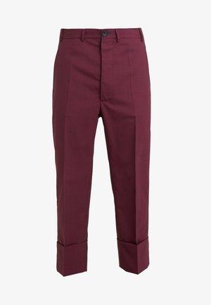 TROUSER - Kostymbyxor - red