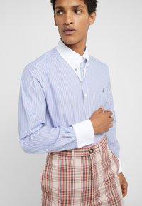 Vivienne Westwood - CLIP SHIRT - Formal shirt - light blue - 6