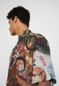Vivienne Westwood - TARAS SHIRT FETZEN - Košile - multicolor - 6