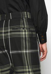 Vivienne Westwood Anglomania - ALCOHOLIC TROUSERS - Tygbyxor - black - 4