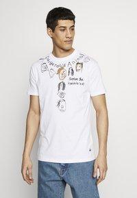 Vivienne Westwood - DANGERO CLASSIC - T-shirt con stampa - white - 0