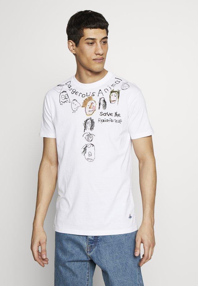 DANGERO CLASSIC - T-shirt z nadrukiem - white