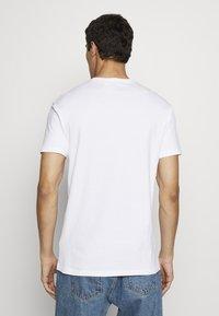 Vivienne Westwood - DANGERO CLASSIC - T-shirt con stampa - white - 2