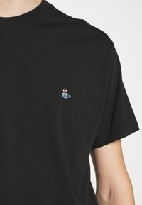 Vivienne Westwood - BOXY T-SHIRT - T-Shirt basic - black - 5