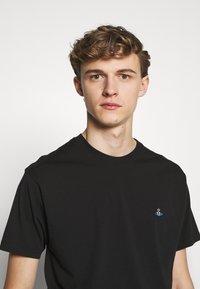 Vivienne Westwood - BOXY T-SHIRT - T-Shirt basic - black - 3