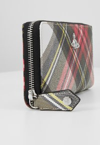 Vivienne Westwood - DERBY CLASSIC ZIP ROUND WALLET - Monedero - new exhibition - 2