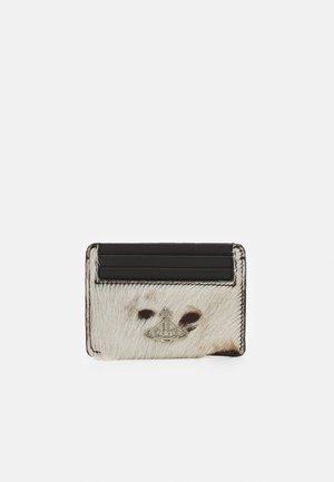 DOLCE CARD HOLDER - Peněženka - brown
