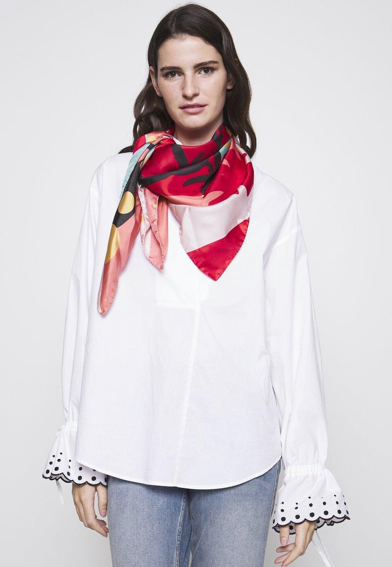 Vivienne Westwood - FOULARD - Šátek - coral red