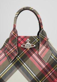 Vivienne Westwood - DERBY YASMINE - Handbag - new exhibition - 7