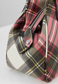 Vivienne Westwood - DERBY YASMINE - Handbag - new exhibition - 5