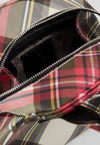 Vivienne Westwood - DERBY YASMINE - Handbag - new exhibition - 4