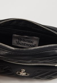 Vivienne Westwood - COVENTRY BUMBAG - Ledvinka - black - 5