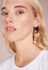 Vivienne Westwood - JORDAN LONG EARRINGS - Boucles d'oreilles - gold-coloured