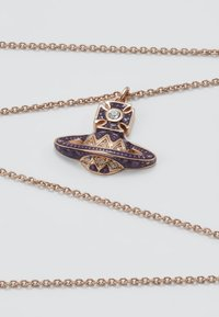 Vivienne Westwood - ARETHA RELIEF SMALL PENDANT - Necklace - pink gold-coloured - 5