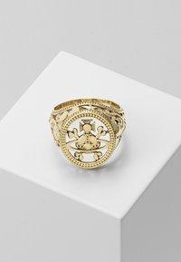 Vivienne Westwood - AARON SEAL - Ring - gold - 0