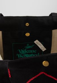 Vivienne Westwood - ROUND SHOPPER - Shopping bags - black - 5