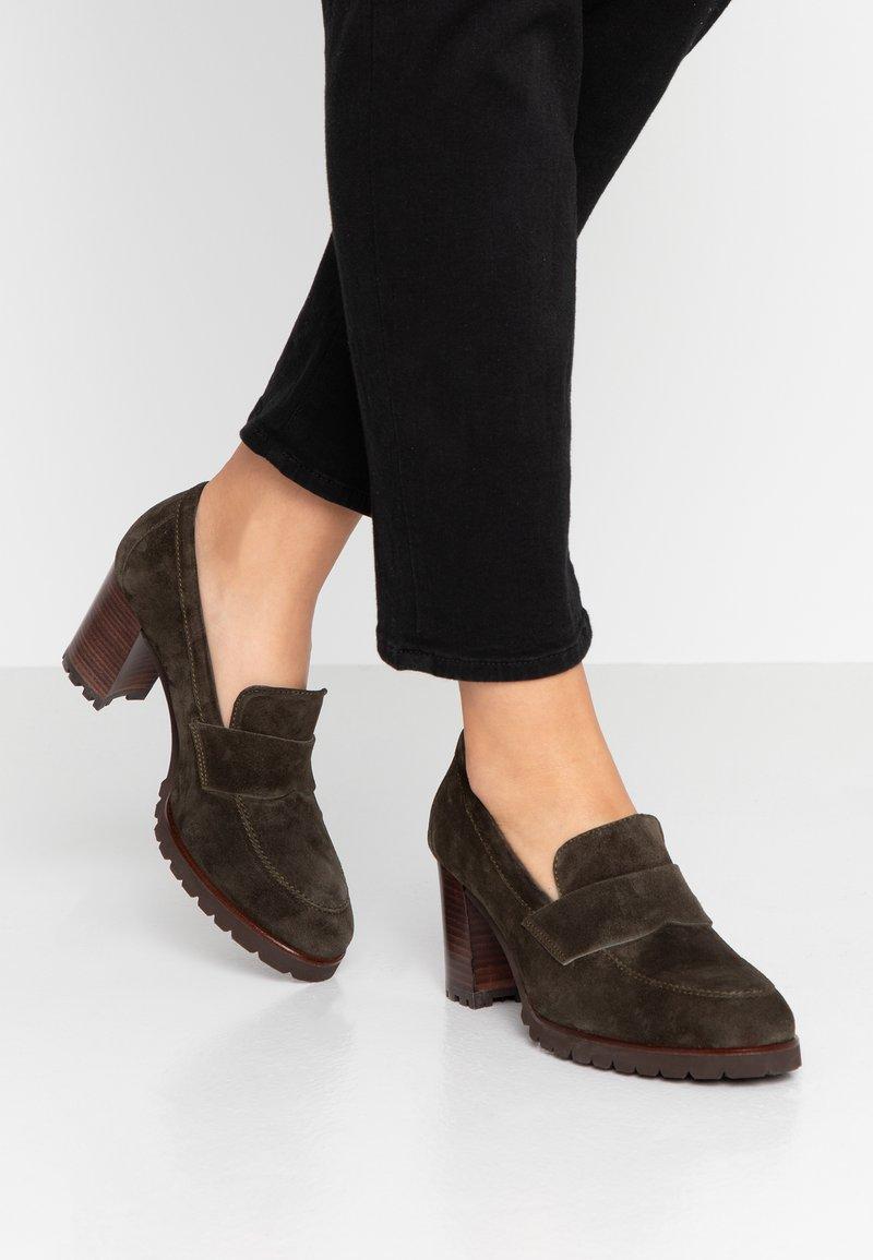 Weekend - Classic heels - pino