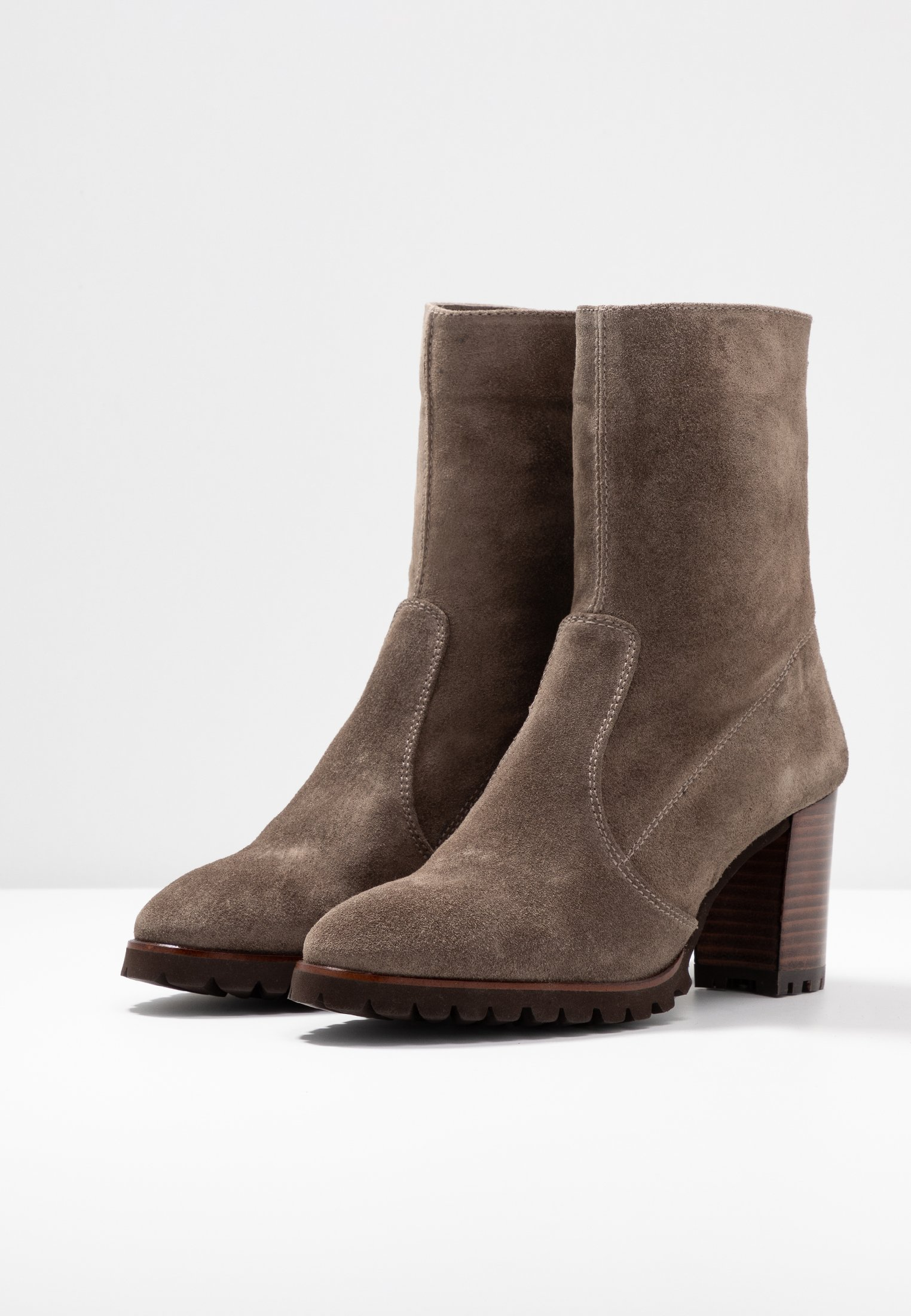 Weekend by Pedro Miralles Bottines topo