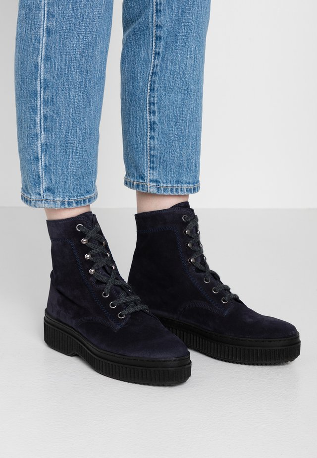 Plateaustiefelette - navy