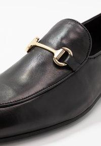 Walk London - JACOB WEAVE LOAFER - Elegantní nazouvací boty - black - 5