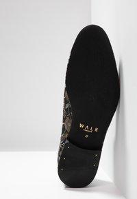 Walk London - JUDE DAISY - Scarpe senza lacci - black/grey - 4