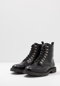 Walk London - HEN HIKER - Botines con cordones - black - 2